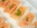 How to make oshi-zushi with smoked salmon